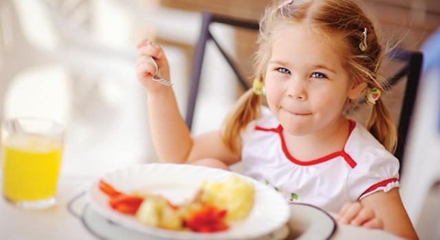 Çocuğunuzun Sağlıklı Büyüyebilmesi için Gereken 10 Önemli Yiyecek !