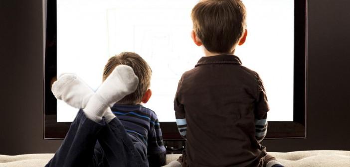 Çocuklarımız Günde En Fazla Kaç Saat Televizyon İzlemelidir ?
